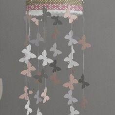 Mobile suspension papillons rose poudré gris et blanc - décoration chambre bébé enfant fille