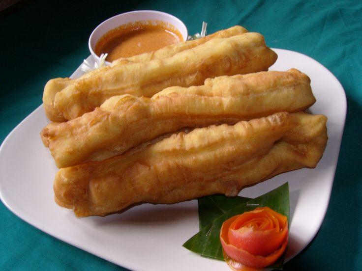 Cakwe (Indonesian fried bread, hollow in the inside)