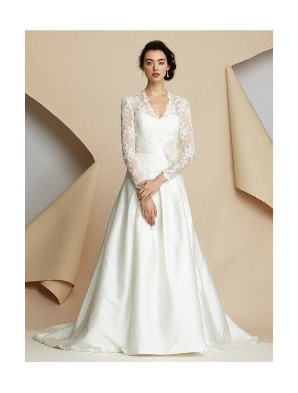 I know that this is basically Kate Middelton's wedding dress...but can it please be mine too?