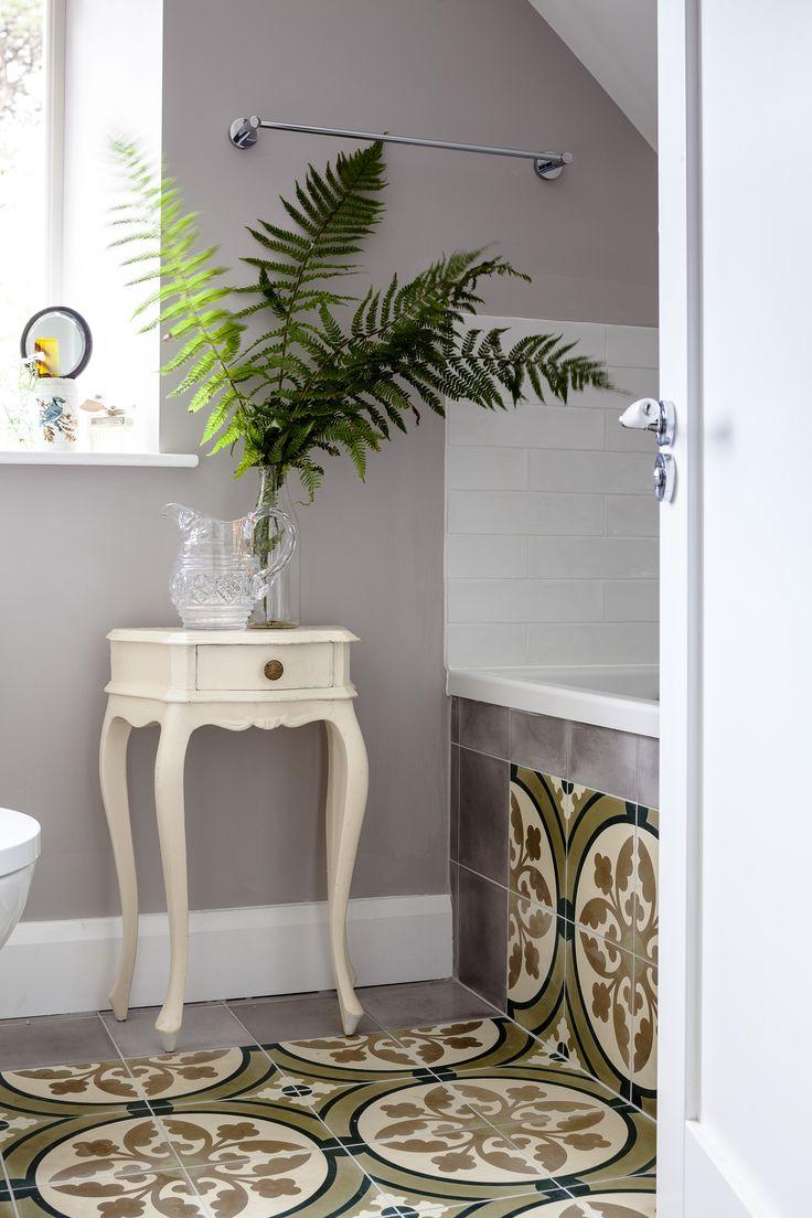 17 best wicklow residence images on pinterest for Bathroom design kingston