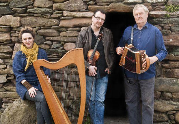 Séamus Begley (accordion, voice), Chris Stout (fiddle) and Catriona McKay (Scottish harp)