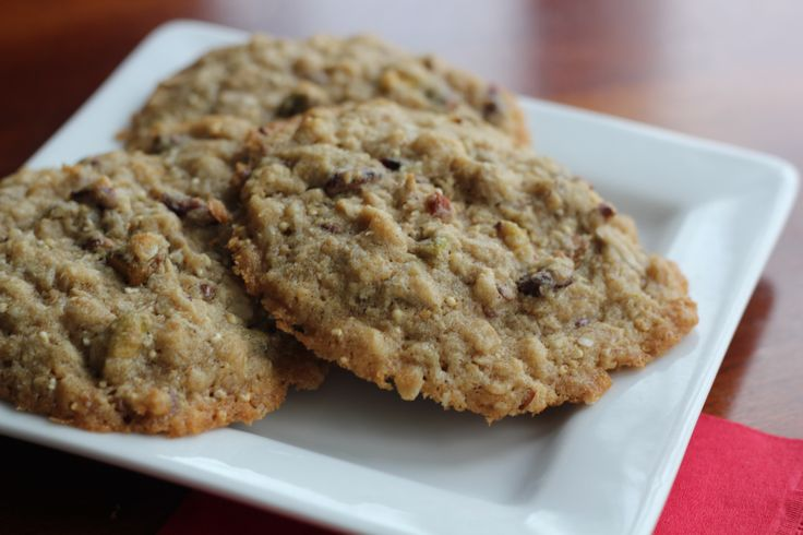American Blend Cranberry Pistachio Cookies - try these delicious holiday festive cookies made with our very own EE American Blend Hot & Fit cereal. Click the pin to view the recipe on our blog!