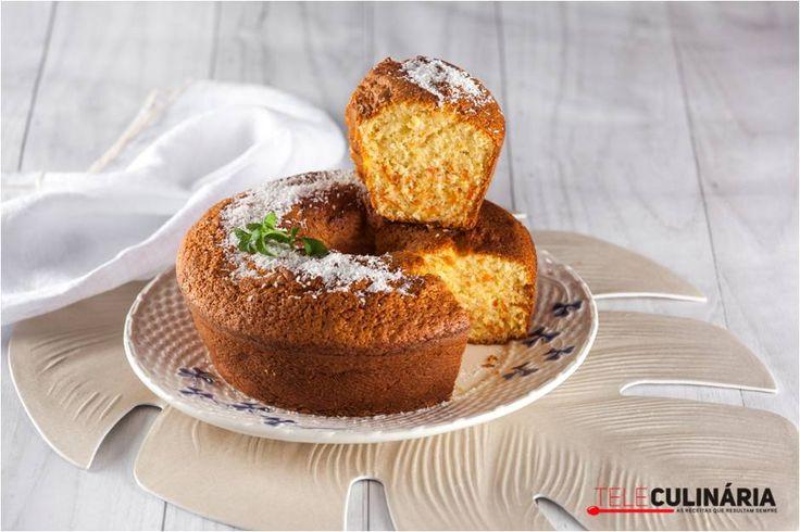 Simples e fácil de fazer, este bolo de cenoura e coco vai fazer as delícias de todos lá em casa