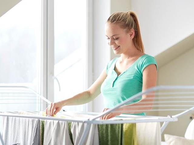 Občas jsou na zažloutlé, seprané bílé prádlo krátké i sebelepší prací prostředky. Chcete-li docílit opět běloskvoucích prostěradel či ubrusů, zkuste ...
