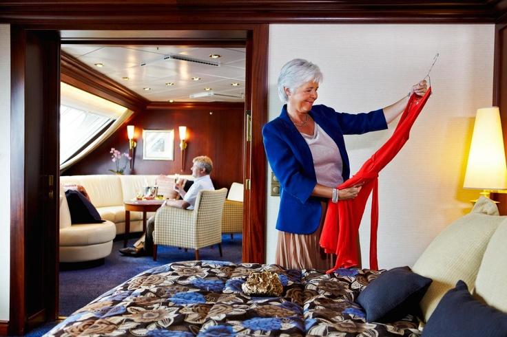 Die Owner's Suite verfügt zusätzlich zum Schlafzimmer über ein eigenes Wohnzimmer mit Sitzgruppe