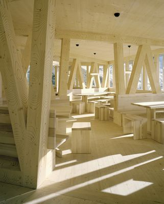 Monte Rosa Hutte: superb... all made with wood and style...
