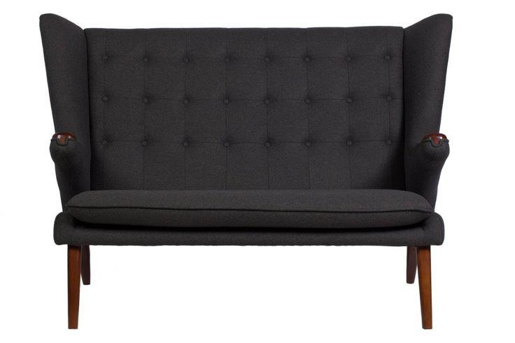 Диван Papa Bear Sofa – изысканный предмет мебели на высокий деревянных ножках, который поможет не только украсить любую комнату или кабинет, но и ограничить зону отдыха от общего пространства. Превосходный темно-серый цвет обивки позволяет диванчику удачно сочетаться с общей картиной помещения. Papa Bear Sofa добавит дому уюта, тепла и прекрасно впишется как в классический, так и в современный интерьер.             Метки: Маленькие диваны.              Материал: Ткань, Дерево…