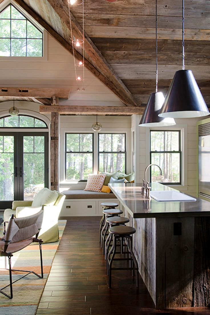 More than 1,000 of the nation's leading designers and architects submitted their best work for our HGTV Faces of Design Awards. From countryside escapesto big city digs, our competition showcased the best of the best, all vying for your vote.