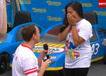 Joey Chestnut proposes, wins Nathan\'s Hot Dog Eating Contest