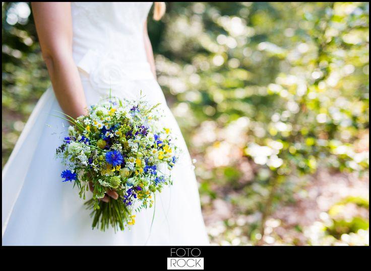FOTOROCK - Hochzeitsfotograf Freiburg, Basel, Zürich, Bodensee - Feature auf dem Blog im Hochzeitsfieber: Die Hochzeit von Alex & Bene in Elzach bei Freiburg  