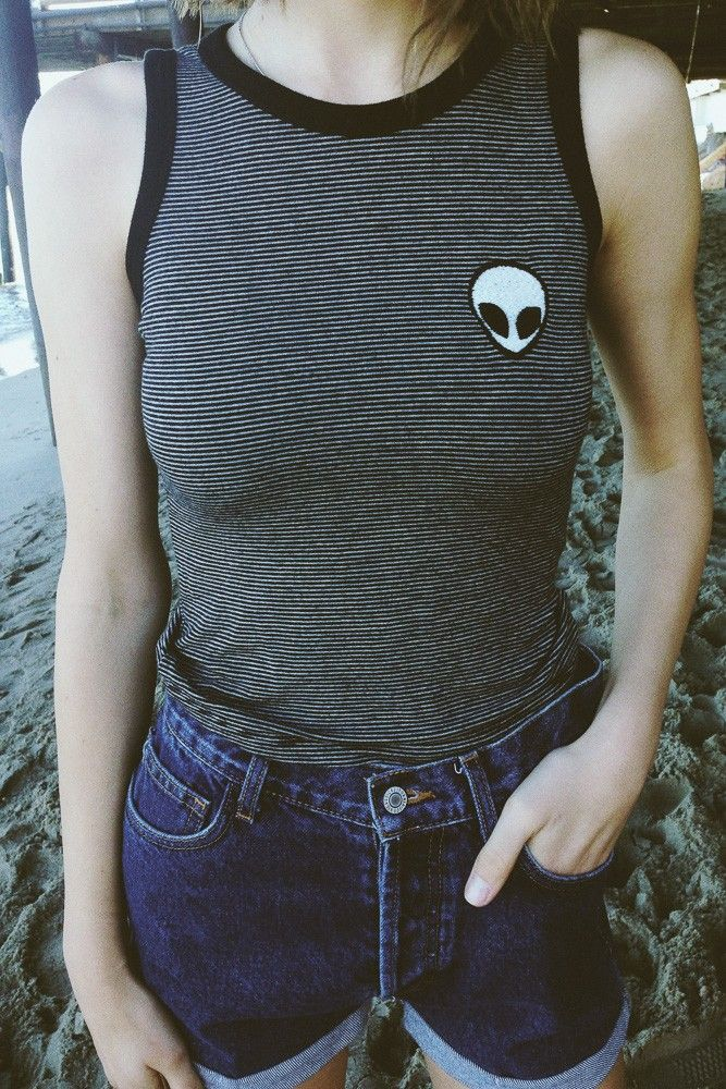 Brandy ♥ Melville | Kaya Alien Patch Tank - Graphics
