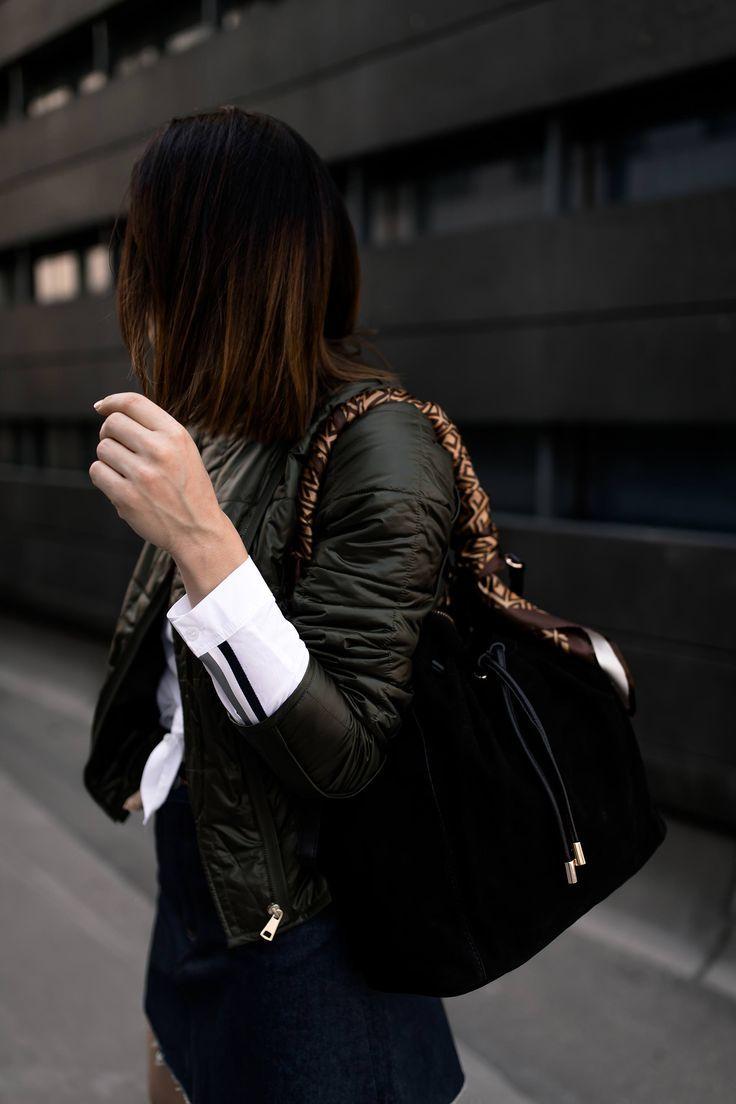 Mode-Tipps und Outfit-Idee: So lässt sich der Minirock auch im Herbst tragen! – Who is Mocca? – Fashion Trends, Outfits, Interior Inspiration, Beauty Tipps und Karriere Guides Pin Eagle