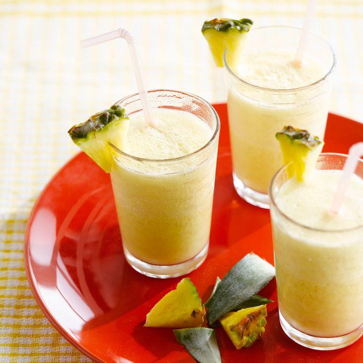 Découvrez la recette Pina colada sur cuisineactuelle.fr.