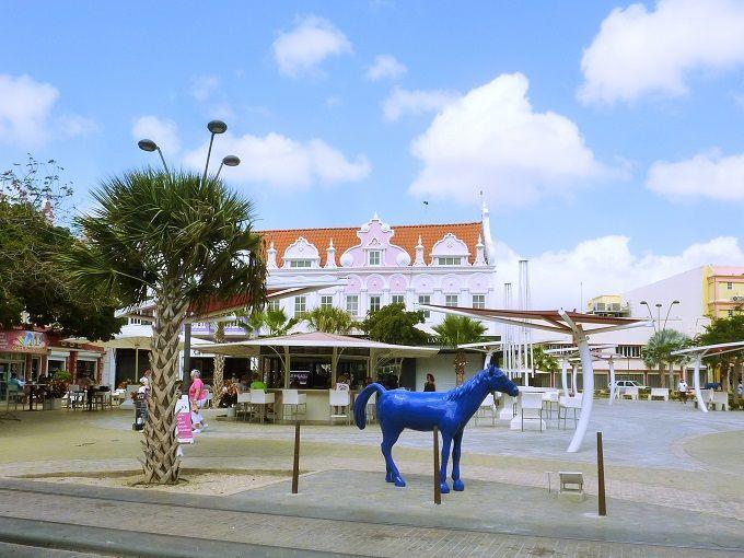 アルバの主都「オラニエスタッド 」にて。Orangestad in Aruba.