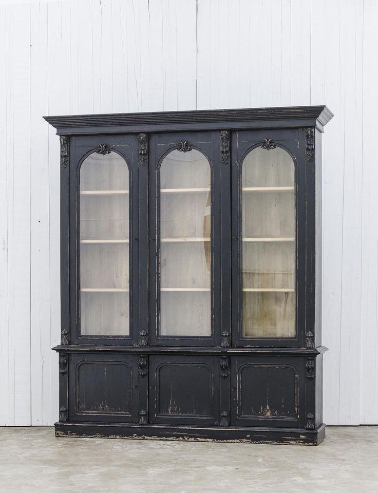 Victoriaanse boekenkast met prachtige kroonlijst - Naar Engels model uit de 19e eeuw - Massief walnoot - Coved Victorian bookcase - English 19th century model - Solid walnut - #WoonTheater