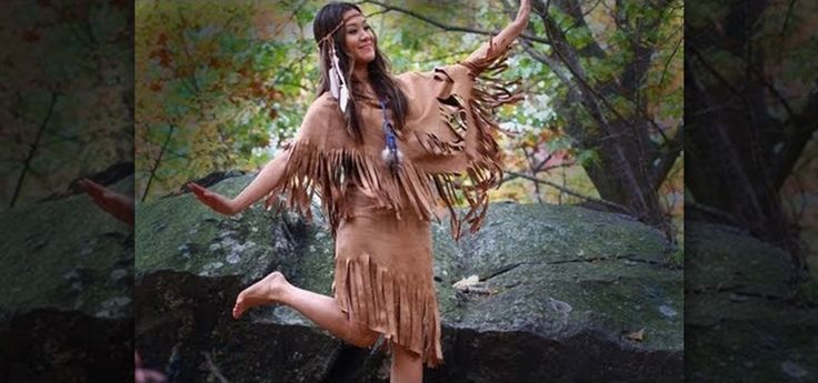 Be an Indian Princess this Halloween! You can make a fun and sexy Native American costume out of just a few yards of suedecloth (faux suede), along with some beads, feathers and other Native Americ...