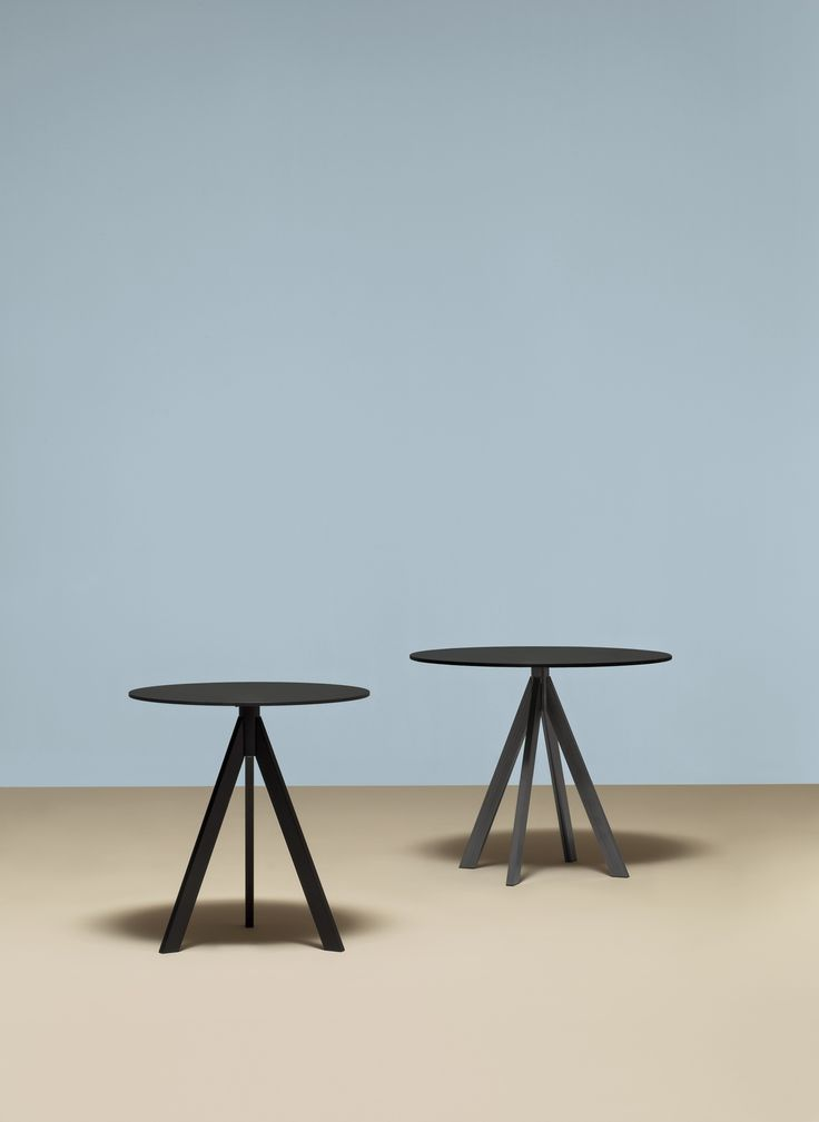 Spaceist - Ark black cafe table with a metal base + round top.