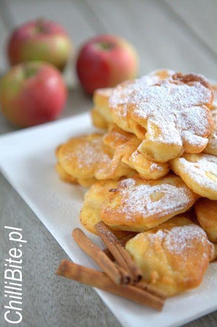 ChilliBite.pl - motywuje do gotowania! Świetne przepisy, autorskie zdjęcia i dobra energia :): Najlepsze placki z jabłkami