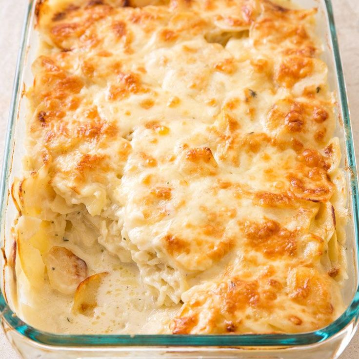 We wanted layers of thinly sliced, tender potatoes, creamy sauce,  and a nicely browned, cheesy crust.