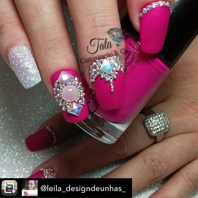 "325 Likes, 4 Comments - Tata Customizacao & Cia (@tata_customizacao_e_cia) on Instagram: ""Repost from @leila_designdeunhas_ using @RepostRegramApp - As pedrarias mais lindas …"""