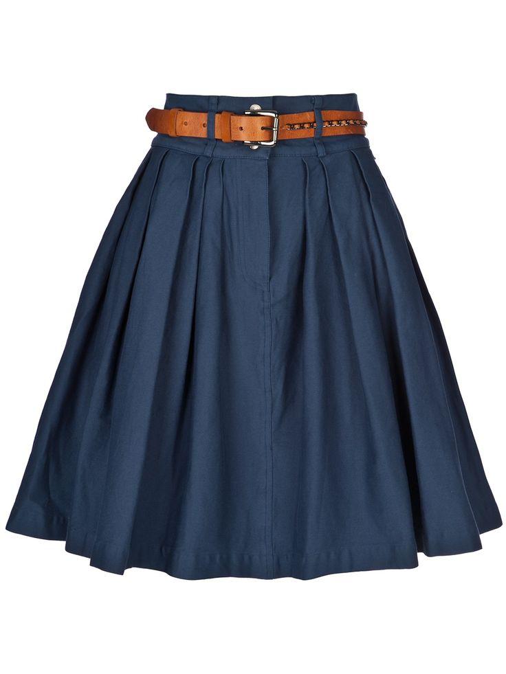 Actualiza tus faldas con las básicas de corte recto, plisadas monísimas o estilos más sencillos. Nuestra selección de faldas tiene todo lo que necesitas.