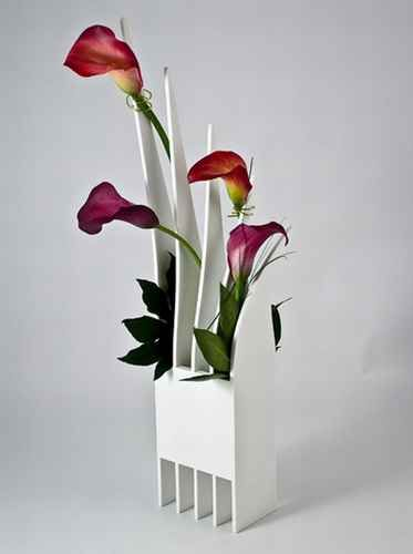 very attractive design flower vase. These 23 elegant  innovative and attractive flower vase designs are a must have if you wish to add new touch of beauty your home 24 best Fun Flower Vases images on Pinterest vases