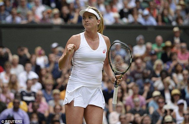 Coco Vandeweghe powered into the fourth round in front of a packed Wimbledon Centre Court crowd