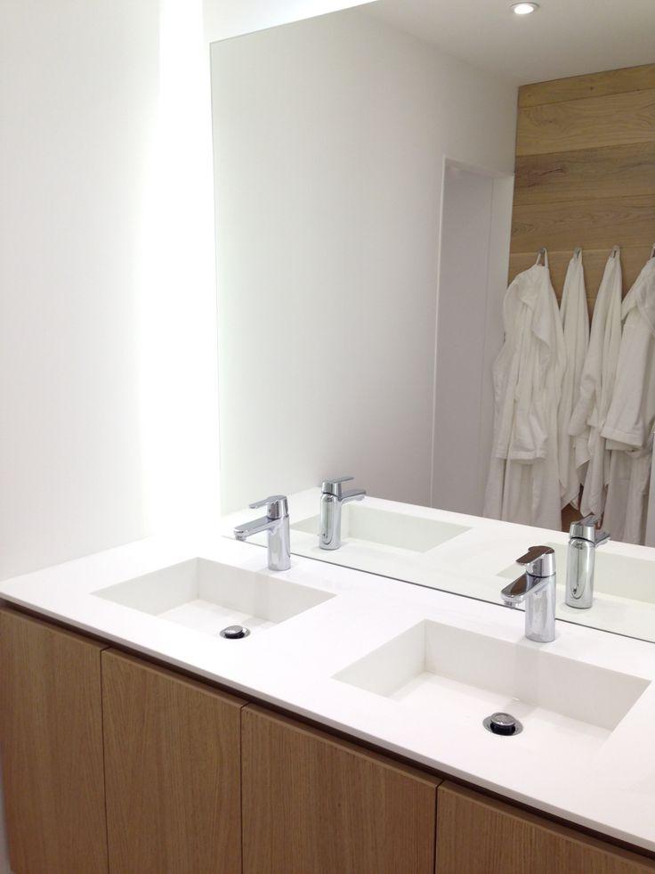 Les 27 meilleures images propos de meuble sur mesure sur for Salle de bain chene massif