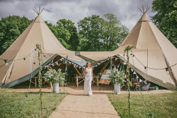 Tipi Reception in a Field | Outdoor Ceremony | Aisle leading to a Characteristic Tree Altar | White Colour Scheme | White Decor | Image by Antony Turner Photographer | http://www.rockmywedding.co.uk/joanna-paul/
