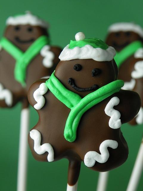 Gingerbread men cake pops