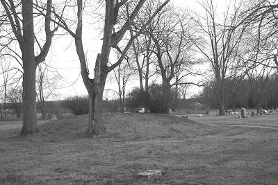 Mound Builders: A Travel Guide to the Ancient Ruins in the Ohio Valley: Iroquois-Mound Builders in Huntington County, Indiana