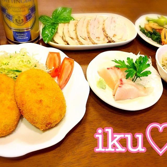 食べたくなって久しぶりに揚げたてコロッケ♬出勤前に衣つけもしておきました(^ν^)揚げたては美味しい〜♡ 隠し味に豆乳を使っています♬ - 86件のもぐもぐ - コロッケ、鰆のお刺身、もやしとほうれん草のナムル、とりはむ、青梗菜と竹輪のオイスター炒め゚+。:.゚ஐ♡ by ichinana