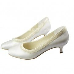 Chaussures de mariée talon haut perles bout fermé satin
