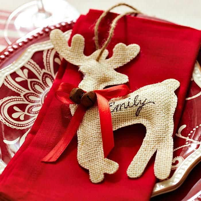 Put guests in the spirit as they find their seats. Use a marker to write names on burlap reindeer ornaments.