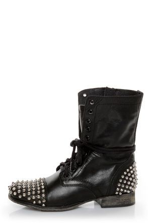 need a pair of leather studded combat/moto boots, pronto. and a scalloped lace skirt to accompany them