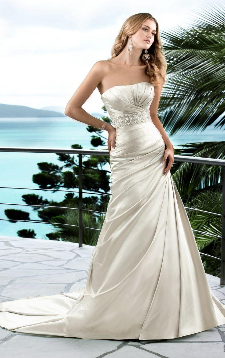 Find this pin and more on abiti da sposa by giuliapelosi