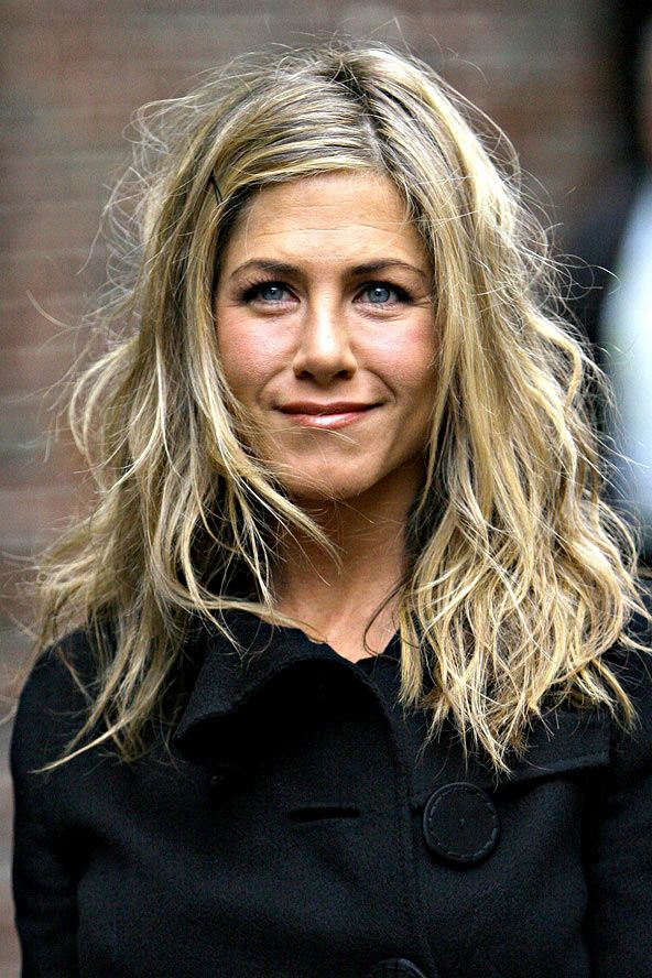We take a look back at Jennifer Aniston's hairstyles over the years, from The Rachel to the straight lob. Browse the looks on GLAMOUR.com (UK)