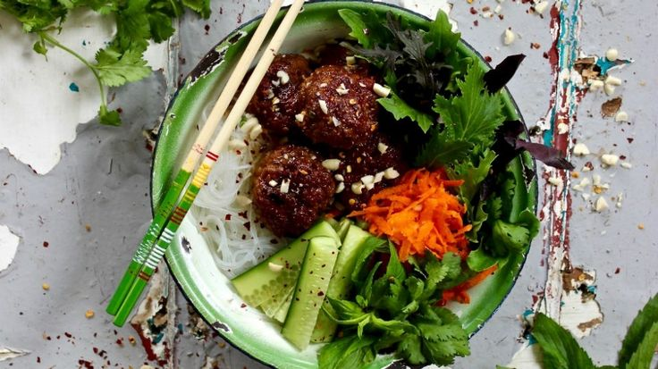 Bun cha Vietnamese pork ball noodle salad recipe