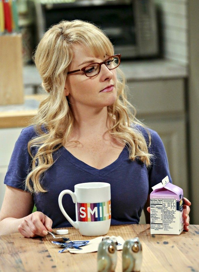 melissa-rauch-the-big-bang-theory-bernadette-tv-2016-vertical.jpg