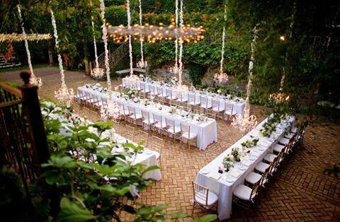 Una hermosa idea para una boda pequeña.