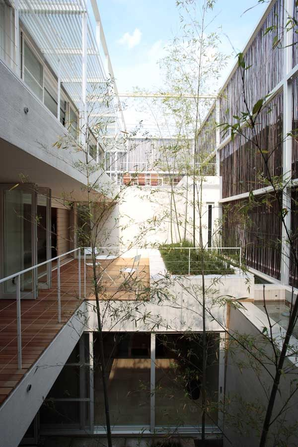 Edward Suzuki Associates have designed the Shimogamo House in Kyoto, Japan.