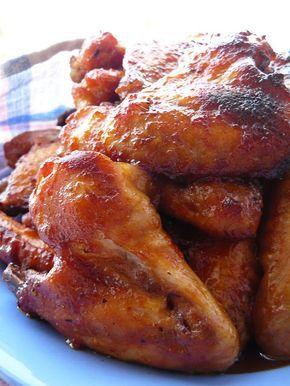 Vegyes saláta: Fűszeres csirkeszárnyak