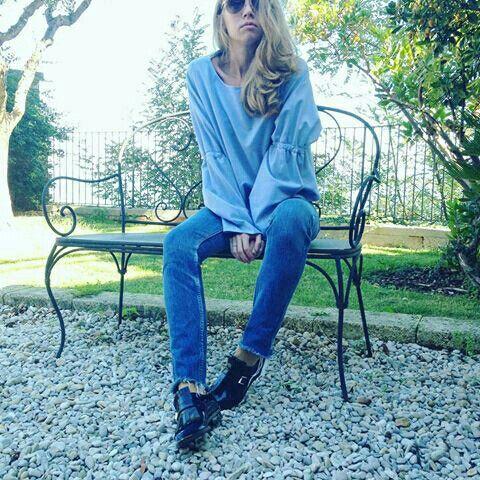 #Repost @lorenapaggi with @repostapp ・・・ Let style possessing you  w/@elenavasilieva  Ph | @maricci5  #LorenaPaggi #italianshoes #womenfashion #madeinmarche #SeeWhatYouWearTour