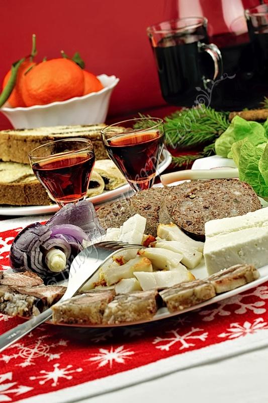 traditional Romanian Christmas food, traditionelle rumänische Weihnachts-Essen, des aliments traditionnelle roumaine de Noël, preparate traditionale romanesti de craciun