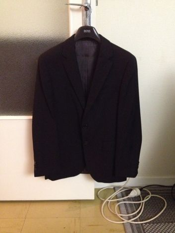 Je viens de mettre en vente cet article  : Veste de costume Hugo Boss 250,00 € http://www.videdressing.com/vestes-de-costume/hugo-boss/p-5325887.html?utm_source=pinterest&utm_medium=pinterest_share&utm_campaign=FR_Homme_V%C3%AAtements_Costumes_5325887_pinterest_share