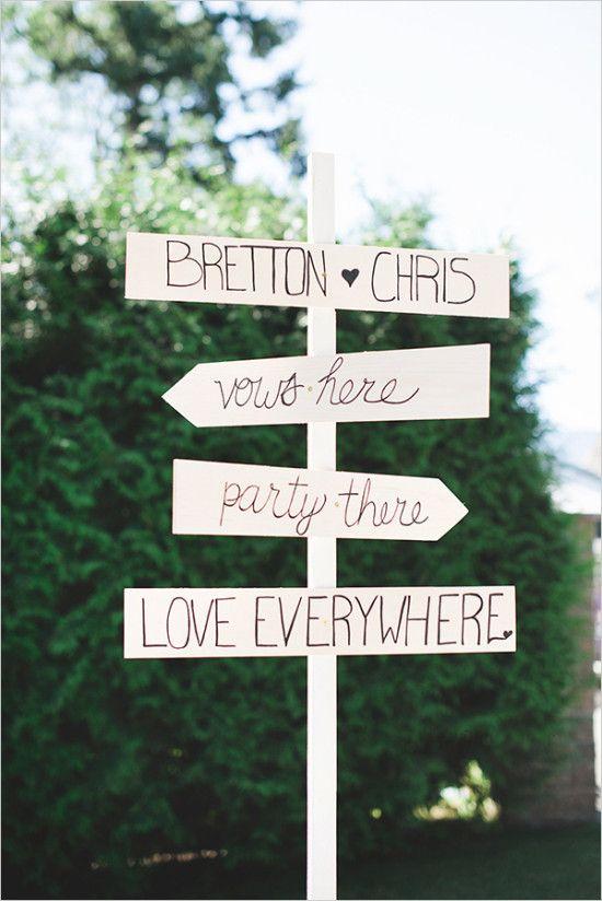 cute wedding signs #weddingsigns @weddingchicks