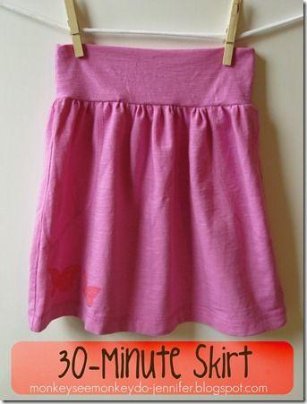 30 Minute Pink Skirt Made from T-shirt #skirttutorial #easyskirt #DIYskirt