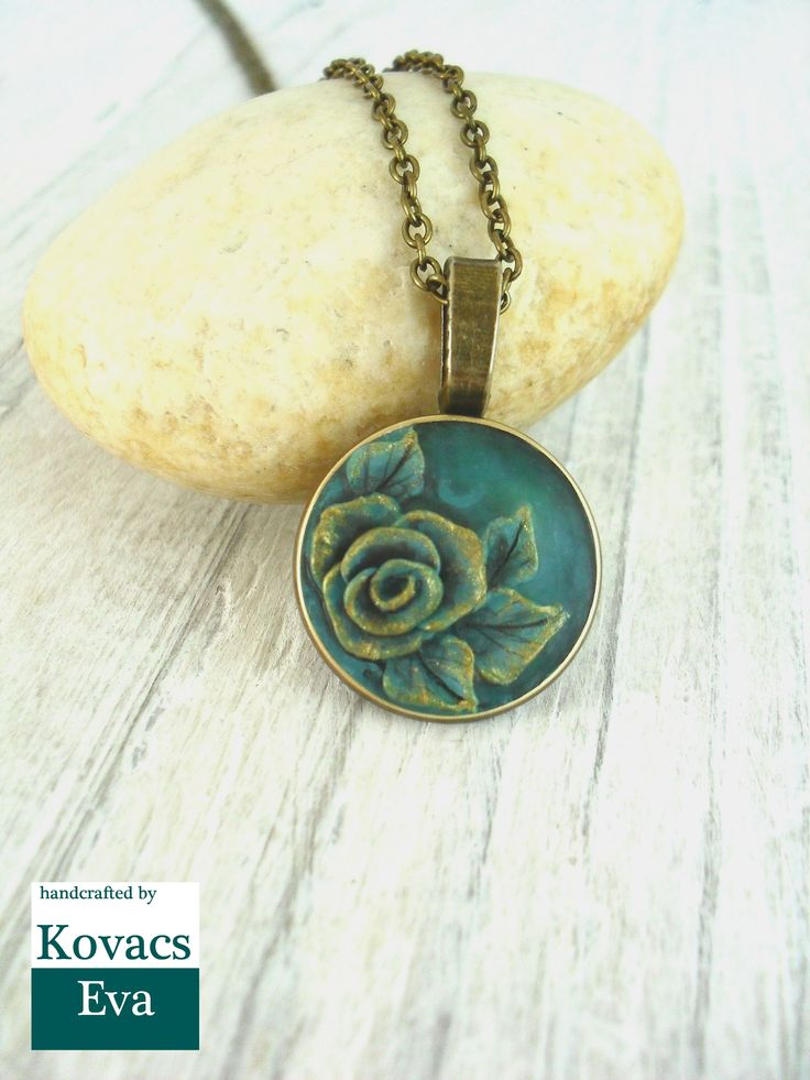 Vintage style necklace.Emerald pendant.Handmade 3D rose on green porcelain pendant.