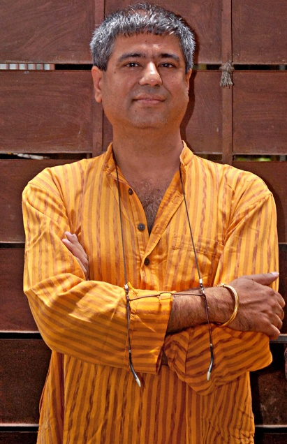 final salution story by mahesh dattani 1 chapter-1 introduction mahesh dattani is the first indian playwright to be honoured with the prestigious sahitya academy award for his final solutions and other plays (1998).