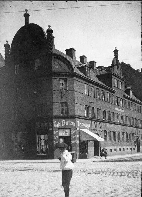 Hjørnet af Istedgade og Gasværksvej - ca. 1900 - Drengen kan være min farfar Poul Marinus Hansen